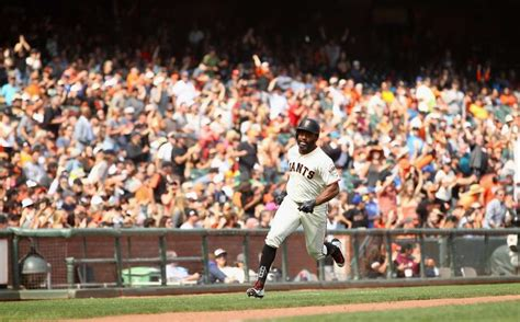 check swing home run giants get big accidental hit from parker to win brewers