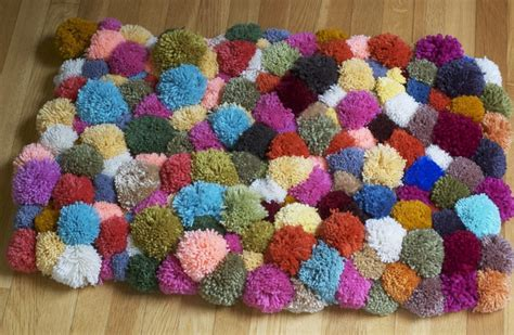 how to make a yarn rug pompourri rug 183 how to make a mat rug 183 yarn craft and no sew on cut out keep