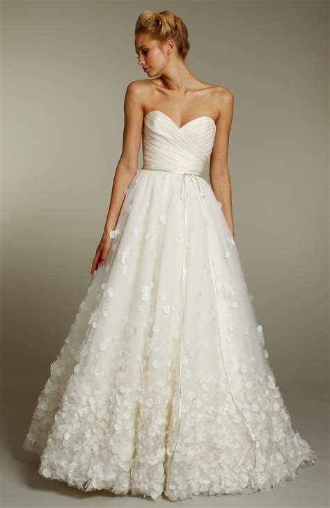 ivory a line wedding dress with sweetheart neckline and
