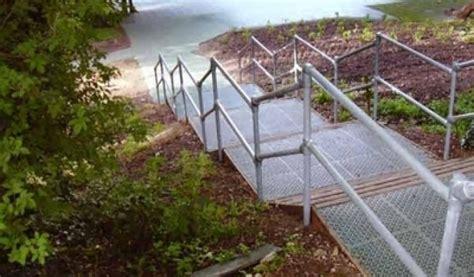 Treppengeländer System by Kee Safety Switzerland