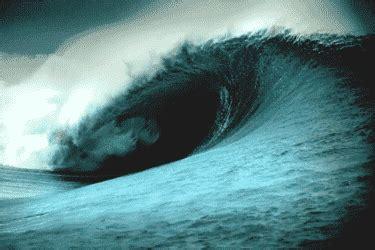 gif animados de desastres naturales gif de fenomenos tsunami fotos videos descripcion y definicion