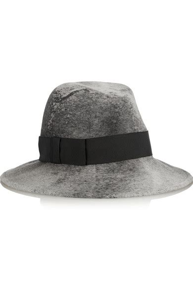 Take A With Aloud And Their Stylish Hats by 8 Stylish Hats To Take On Vacation Page 8 Of 8