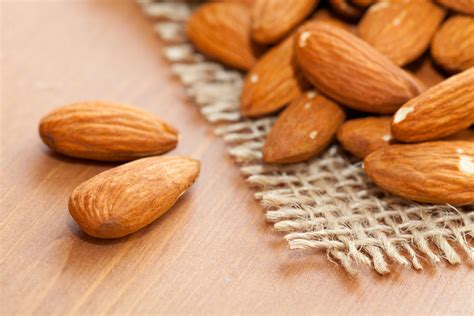 Minyak Almond Di Supermarket 21 cara menghilangkan minyak di wajah secara alami dengan