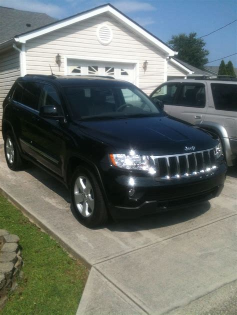 laredo jeep 2012 2012 black forest green jeep grand cherokee v8 4x4 laredo