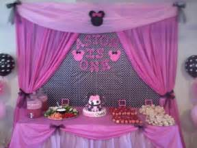 Cake Table Backdrop by Cake And Food Table For Aston S Minnie Mouse Birthday