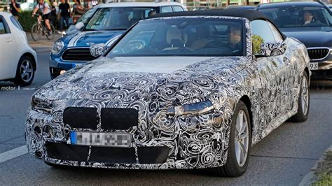 bmw  series convertible spied  close  personal