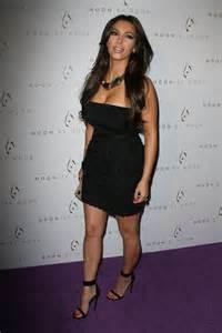 Kim kardashian in black dress at kung pao bistro 06 full size pictures