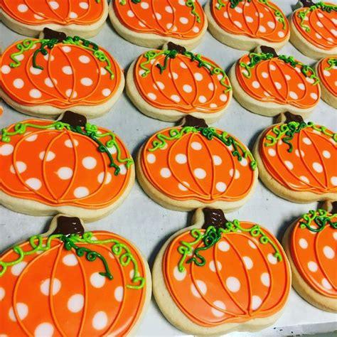 pumpkin cookies decorating best 25 decorated sugar cookies ideas on