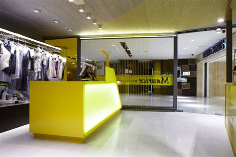 design the layout of a housekeeping store maurice dry cleaners uses eye catching design to sell
