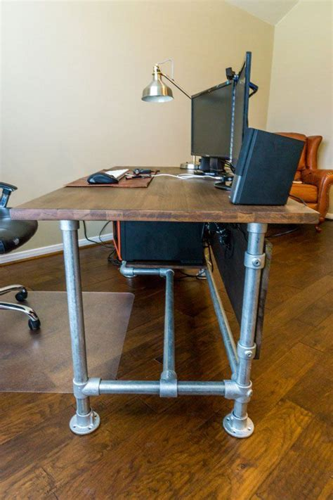 Pipe Desk Diy 25 Best Ideas About Industrial Desk On Industrial Pipe Desk Diy Pipe And Table Desk