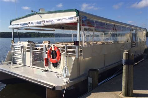 island queen boat tour kent lake on the island queen iii pontoon boat at