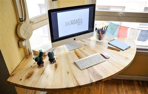 Make Your Own Corner Desk Diy Pallet Wood Corner Computer Desk 101 Pallets