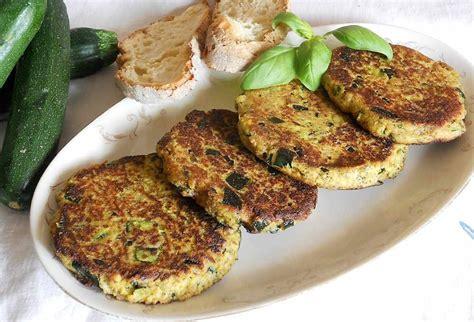 cucinare l hamburger hamburger di zucchine un piacevole secondo di verdure
