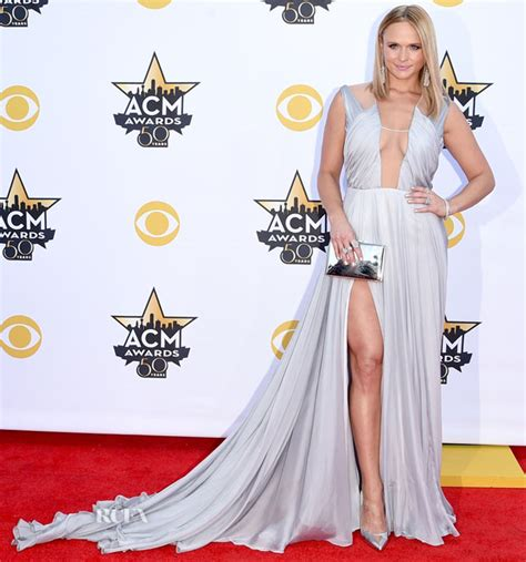 acm awards 2015 miranda lambert changes her outfit four miranda lambert in bibhu mohapatra 2015 acm awards red