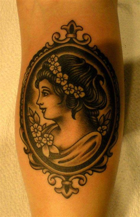 tattoo old school femme tatouage old school femme dans un cadre inkage