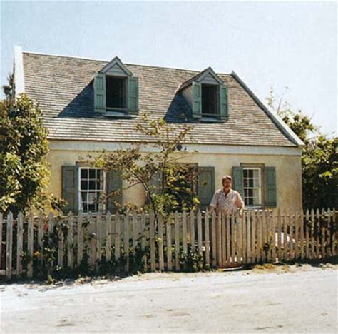 Saltbox Cottage by Cottage Saltbox In The Bahamas