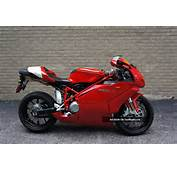 Rare 2005 Ducati 749  S