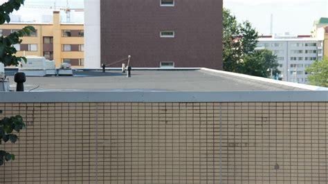 flat roof file flat roof bitumen felt jpg wikimedia commons