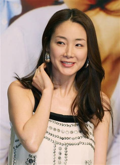 north korea actress photo korean actress choi ji woo on marriage i don t want to
