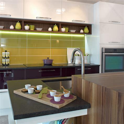 comptoir de c駻amique cuisine comptoir cuisine bois cuisine en bois massif et comptoir