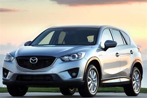 nissan mazda 2012 2014 nissan rogue vs 2014 rogue select what s the