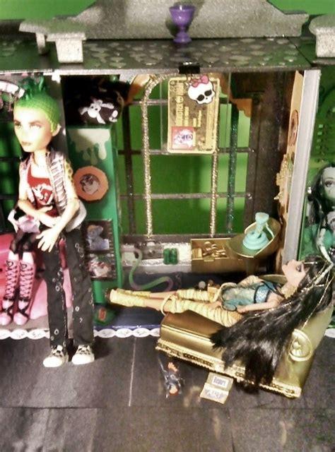 custom made doll house monster high custom made doll house monster high photo 21491102 fanpop