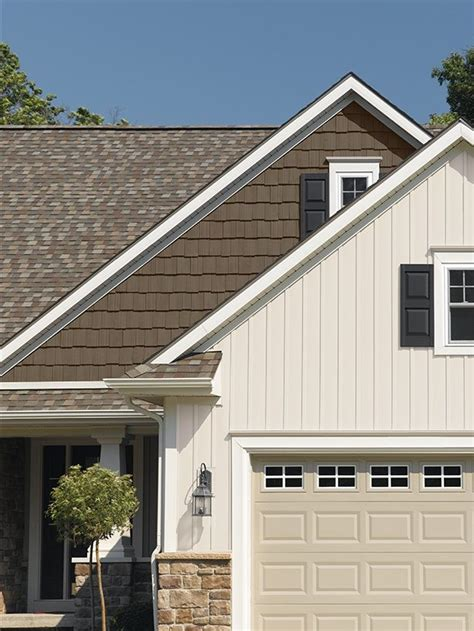 1000 ideas about vertical vinyl siding on