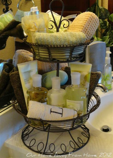 bathroom basket ideas 25 best ideas about wedding toiletry basket on pinterest