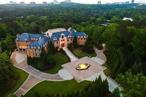 An Inside Look Into Tyler Perry's Old Mansion   GAFollowers