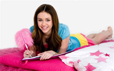 miley cyrus bedroom miley cyrus wallpaper bedroom imagebank biz