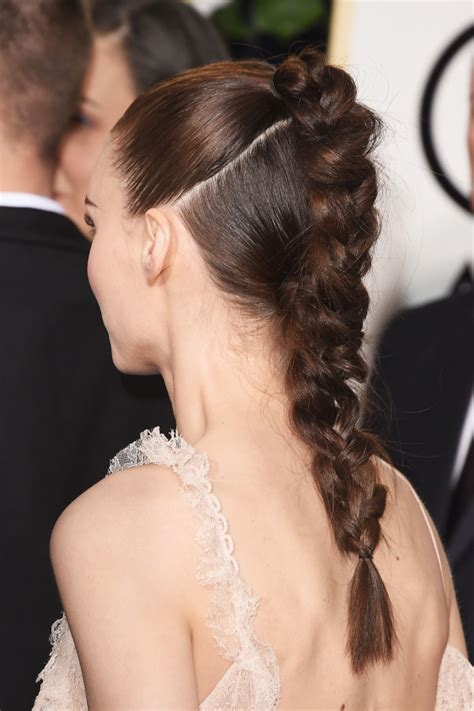 hair dos at the golden globes golden globes beauty celebs balance their couture with