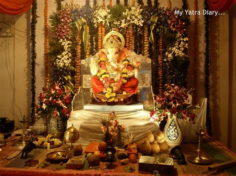 festive colors  ganesh chaturthi ganpati pandals mumbai