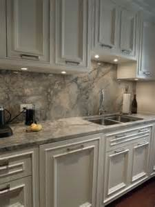 Kitchen Countertops And Backsplash Pictures by 29 Quartz Kitchen Countertops Ideas With Pros And Cons