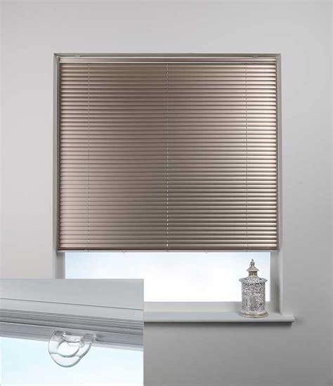 Swish Blinds swish cordless aluminium venetian blind 75cm x 120cm chagne