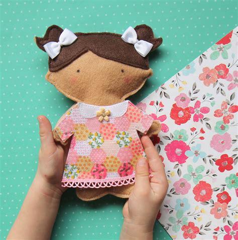 doll felt the craft patch felt paper doll tutorial free pattern