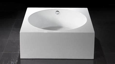 encadrement baignoire baignoire 238 lot ronde avec encadrement carr 233 erminia