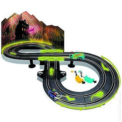 comic books in auto world electric racing set