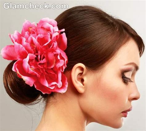 indian hairstyles with roses indian hairstyles with flowers