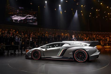 PHOTOS: Lamborghini's New $3.9 Million Veneno Supercar