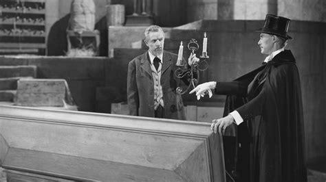Buku Misteri Horor In Search Of Dracula 1945 horror