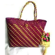 Tas Bulat Bahan Dari Rumput Mendong tas purun tradisional mini size dianyam secara sederhana oleh para pengrajin kalimantan