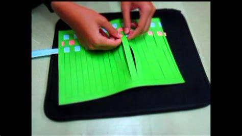 cara membuat kerajinan anyaman cara mudah membuat anyaman kertas dengan berbagai motif