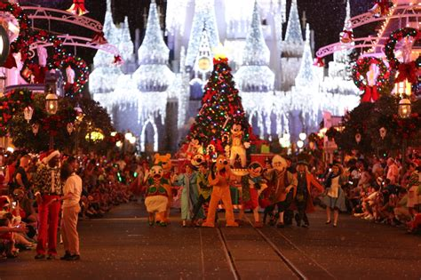 mickeys very merry christmas party 2015 232 the dis