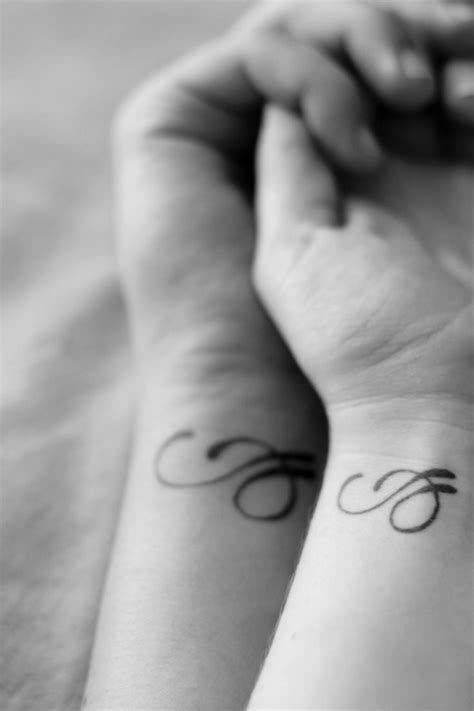 couple tattoo photography black and white black and white couple tattoo tattoomagz