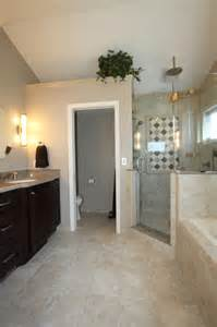 Traditional Style Home Decor enclosed toilet room