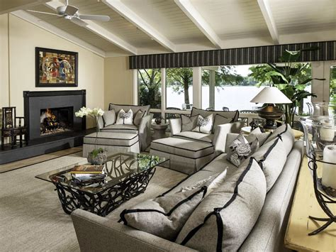 transitional living room project colors layout ttv decor living room mixes charm and style mary susan bicicchi hgtv