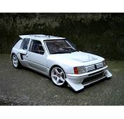 Peugeot 205 Turbo 16 Miniature Preparee Pour La Course T16