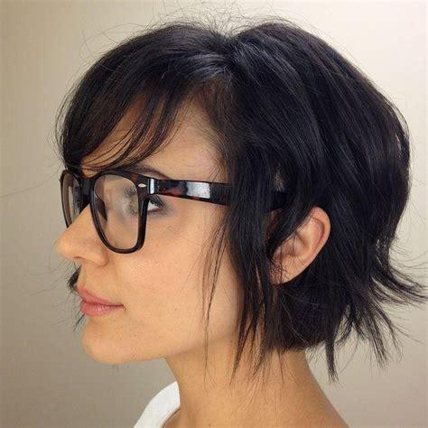 popular short haircuts  glasses