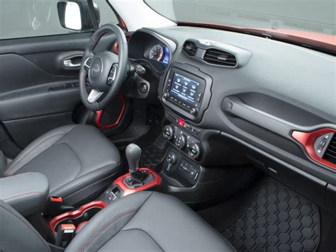 jeep interni a bordo della jeep renegade foto panoramauto