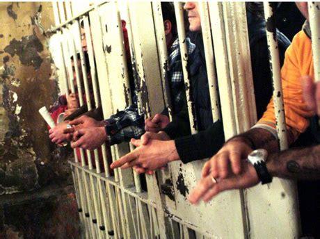 lettere per carcerati l ordinaria giornata di un detenuto in uno dei tanti